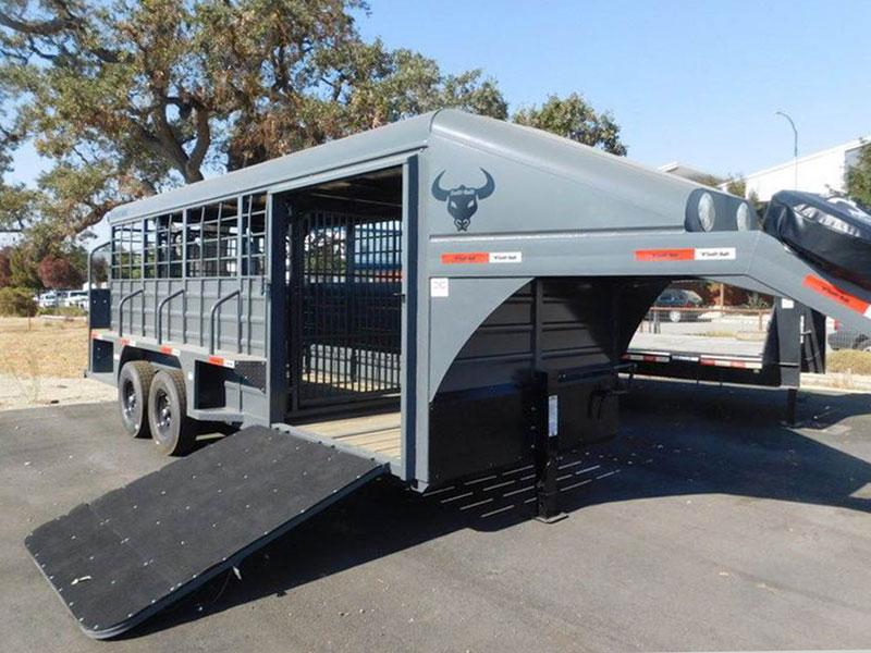 2021 18' Swift Built Steel Gooseneck Livestock Trailer